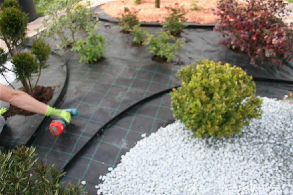 Mobili lavelli bordure in plastica per giardino for Bordura giardino